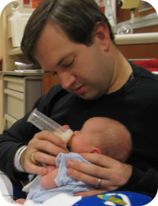 bottle-feeding-preemie