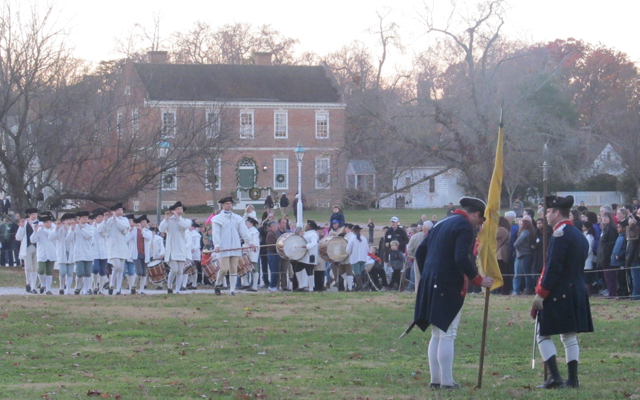 Colonial Williamsburg is an ideal place to take the family for an educational vacation. These photos show just a taste of Colonial Williamsburg. https://www.intoxicatedonlife.com/2012/11/23/colonial-williamsburg-photo-blog/
